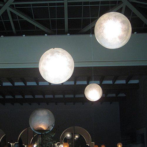 esferas colgantes de fibra de vidrio como lamparas