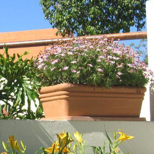 Jardineras macetas de fibra de vidrio fiberland - Jardineras de colores ...