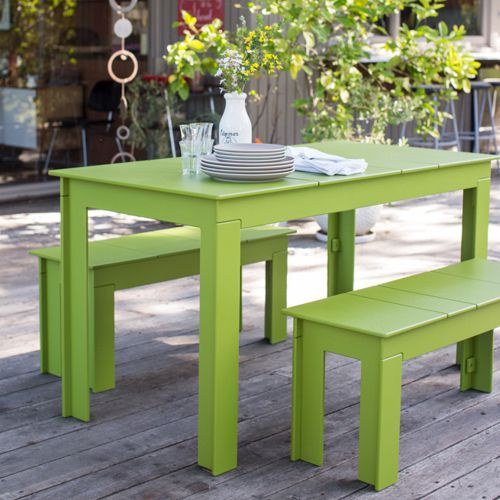Lollygagger muebles de exterior fiberland for Muebles plastico jardin