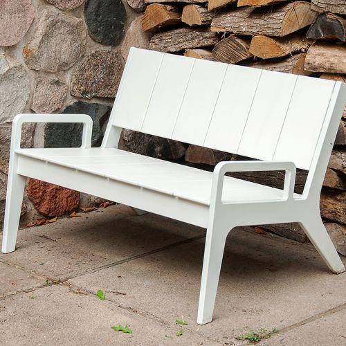 Nueve muebles de exterior fiberland for Muebles jardin exterior modernos